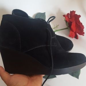 Cole Hann black suede wedge boot size 9